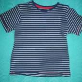 Фирменная хлопковая футболка  на 5-6 лет