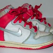 Кроссовки Nike для девочки  размер 30 (19 см ) из Англии