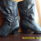 Шкіряні чобітки.36,5 р.Elastomere