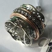 Новое красивое серебряное кольцо с позолотой 18,0 Серебро 925 пробы