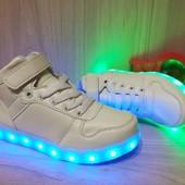 Високие кроссовки LED р.33 34 35