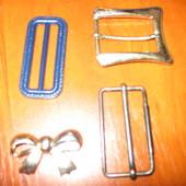Пряжки для пояса:3-пластмассовые,2-металлические.