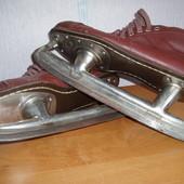 Продам коньки советские, коричневые