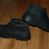 Ботинки 38 р кожаные утеплённые отличное состояние