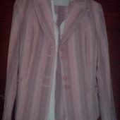 Продам новый костюм четверку - пиджак, юбка, брюки-штаны, блуза