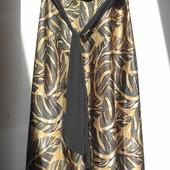 Studio Y. Нарядное платье с травяным принтом большого размера.