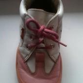 Осенние кожаные ботиночки 24р