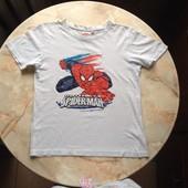 Футболка на мальчика фирмы Marvel размер 128 Спайдермен Человек паук