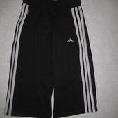 спортивные бриджи Adidas 8-10 р-р, эластичные