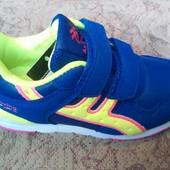 Современые кроссовки для девочек