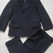 Классический костюм на мальчика 4-5лет(98-110см.)