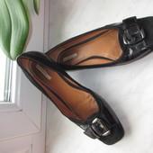 Продам кожаные балетки Geox 39 р.