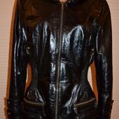 Курточка в прекрасном состоянии р.46 Кожа