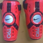 Наколенники  Nike