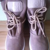 Sofi Весенние женские ботинки натуральная замша очень красивого бежевого цвета