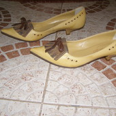 Туфельки гостроносики Італія шкіра в асортименті