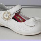 Туфли детские. белые. р.21,22