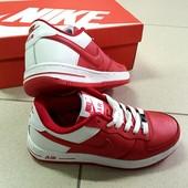 Кроссовки красные Nike Air Force 2016 натуральная кожа.  Идут в фирменных коробках.