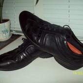 Кожаные кроссовки размер 44