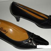 Туфлі 39 розмір 25,5 см шкіра чорні Італія
