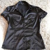 Красивая облегающая блузка