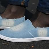 Женские кеды слипоны мокасины светлые джинс рваные