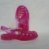 Итальянские желейные сандали, фирменные, новые 25размер