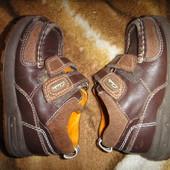 Туфельки-кроссовочки Clarks размер  5,5 F, стелька 14,5 см