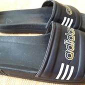 Сланцы резиновые Adidas(оригинал)р.40-25.5см.