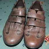 Туфлі-кросівки Ecco шкіряні стан нових 37розмір 500грнпривезені з Італії