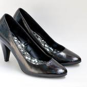 Туфли черные классические лакированные нарядные праздничные 38 р.