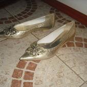 Туфельки шкіра 36 розмір 23см серебристі Італія
