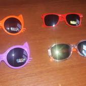 Детские солнцезащитные очки в наличии