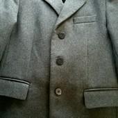 костюм 34р.