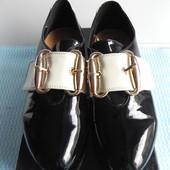 Туфли лаковые 36-39 с камушками