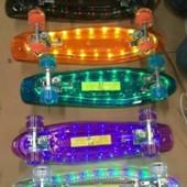 Скейт BT-YSB-0028 пластиковый со светом доска pu колеса 56 15см 2,11кг 5цветов