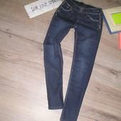 Узенькие джинсы для девочки. Новые