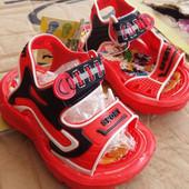 Детские босоножки-сандали 19,21,22 размеры красные