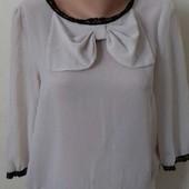 Бежевая шифоновая блуза с бантом