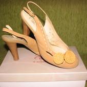 Туфли босоножки Монарх кожаные 40 размер
