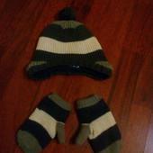 Комплект :шапочка и варешки  на подкладке с флиса производство США от 18 до 24 месяца.