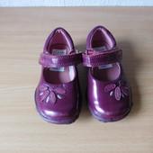 Туфли Clarks c мигалками 21 р.по стельке 13,5 см