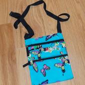 Красивая фирменная сумочка для девочки