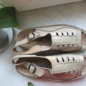 Продам кожаные немецкие сандалии Panda 45 р.