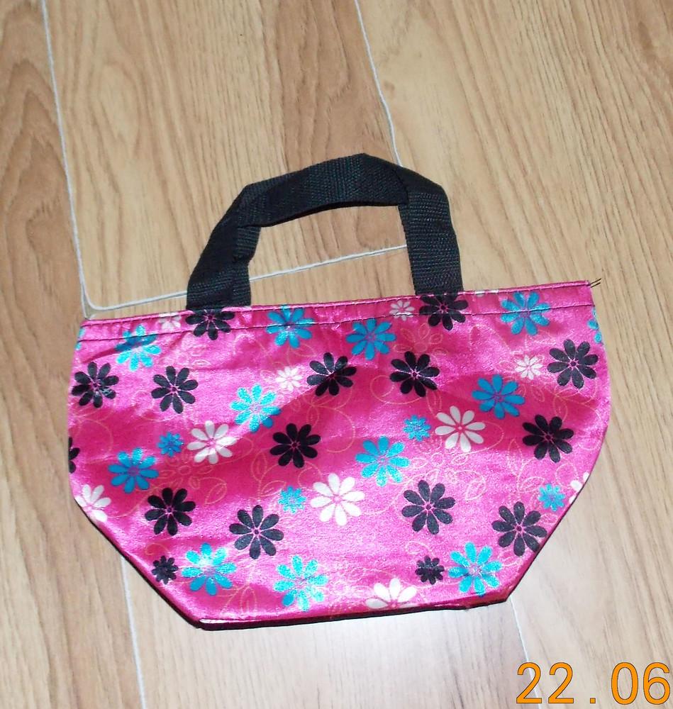 Красивая фирменная сумочка для девочки фото №1