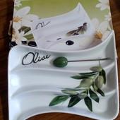 Новое блюдо для оливок с вилочкой