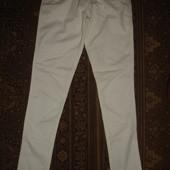 Фирменные светлые джинсы скинни на 13-14 лет девочке