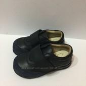 chicco новые кроссовки кожаные размер 24