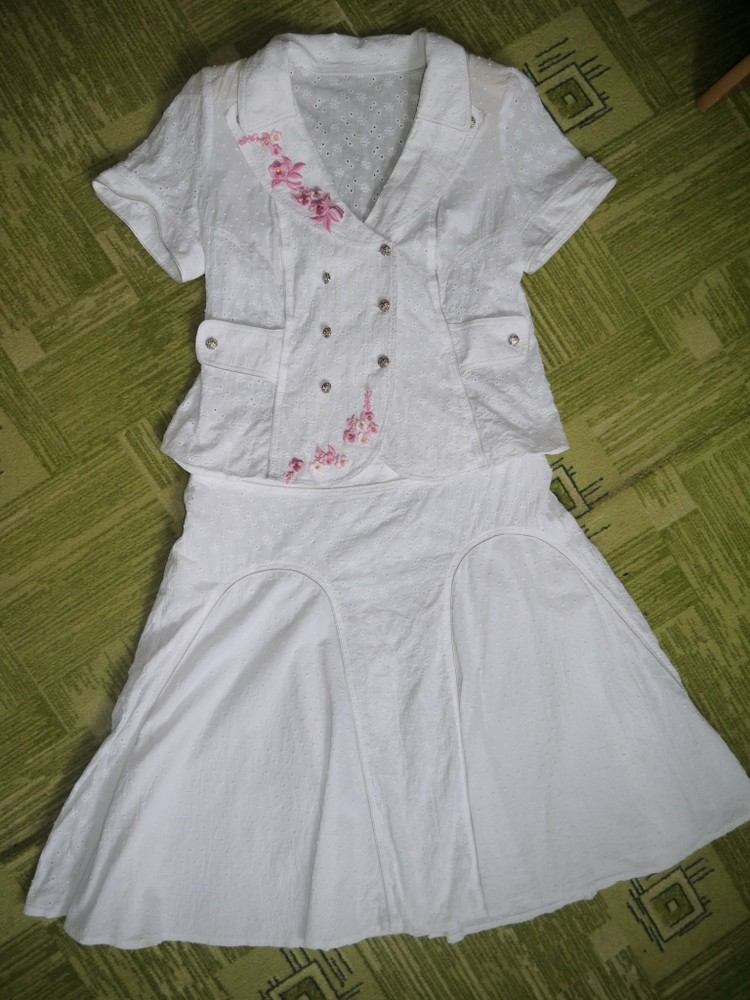 Костюм из х/б ткани с вышивкой 52размера фото №1