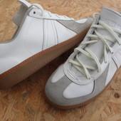 Фирменные кожаные кроссовки размер:40